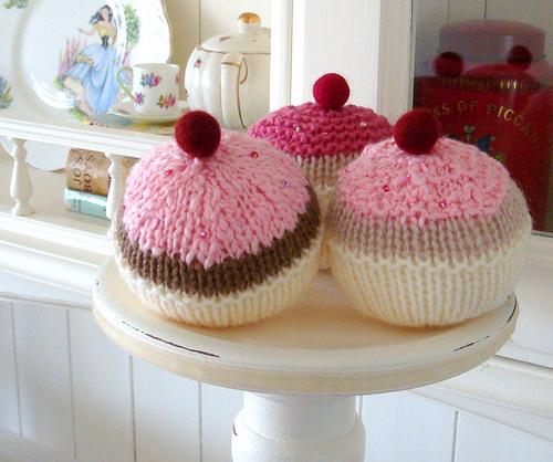 Knittedcupcakes2