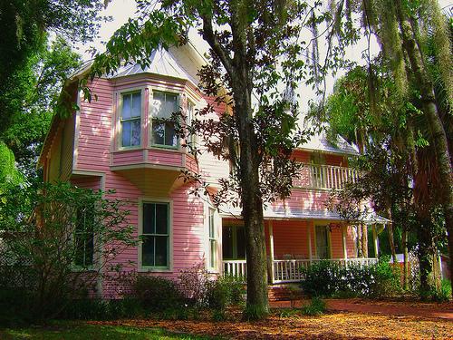 Pinkhouse1