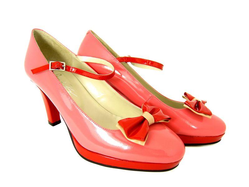 Pinkpatentshoes1