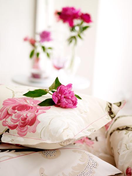 Pinkflowerpillow