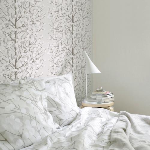 Marimekko-lumimarja-silverwhite-wallpaper