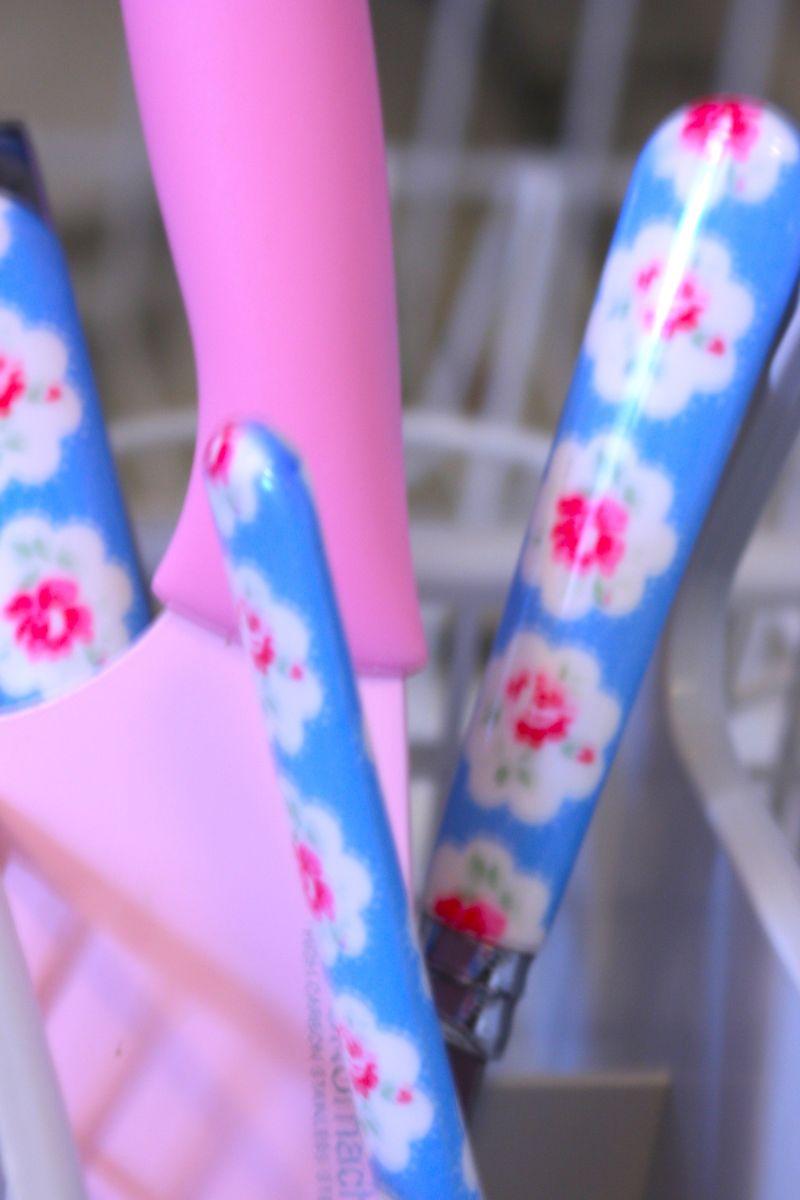 Pinkknives